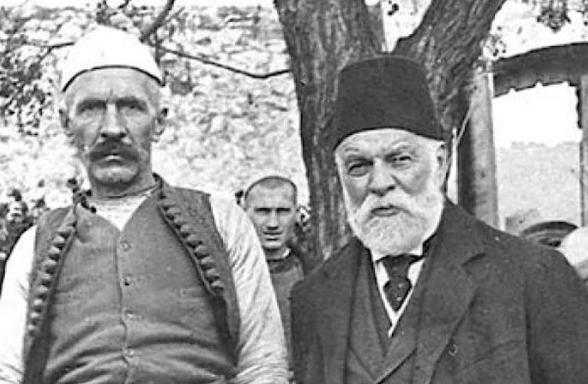 """""""Dritëhijet"""" e Ismail Qemalit vijnë në konferencën jubile për 100-vjetorin e vdekjes së tij"""