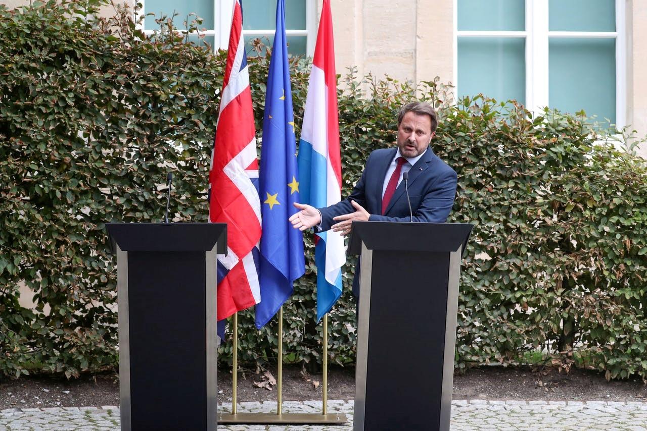 BREXIT, kryeministri britanik fërshëllehet në Luxemburg, braktis konferencën