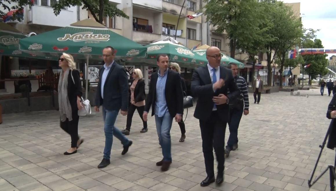 Partitë rivale serbe në Kosovë formojnë koalicion