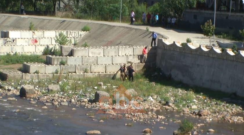 Mbytet një person në lumin Shkumbin