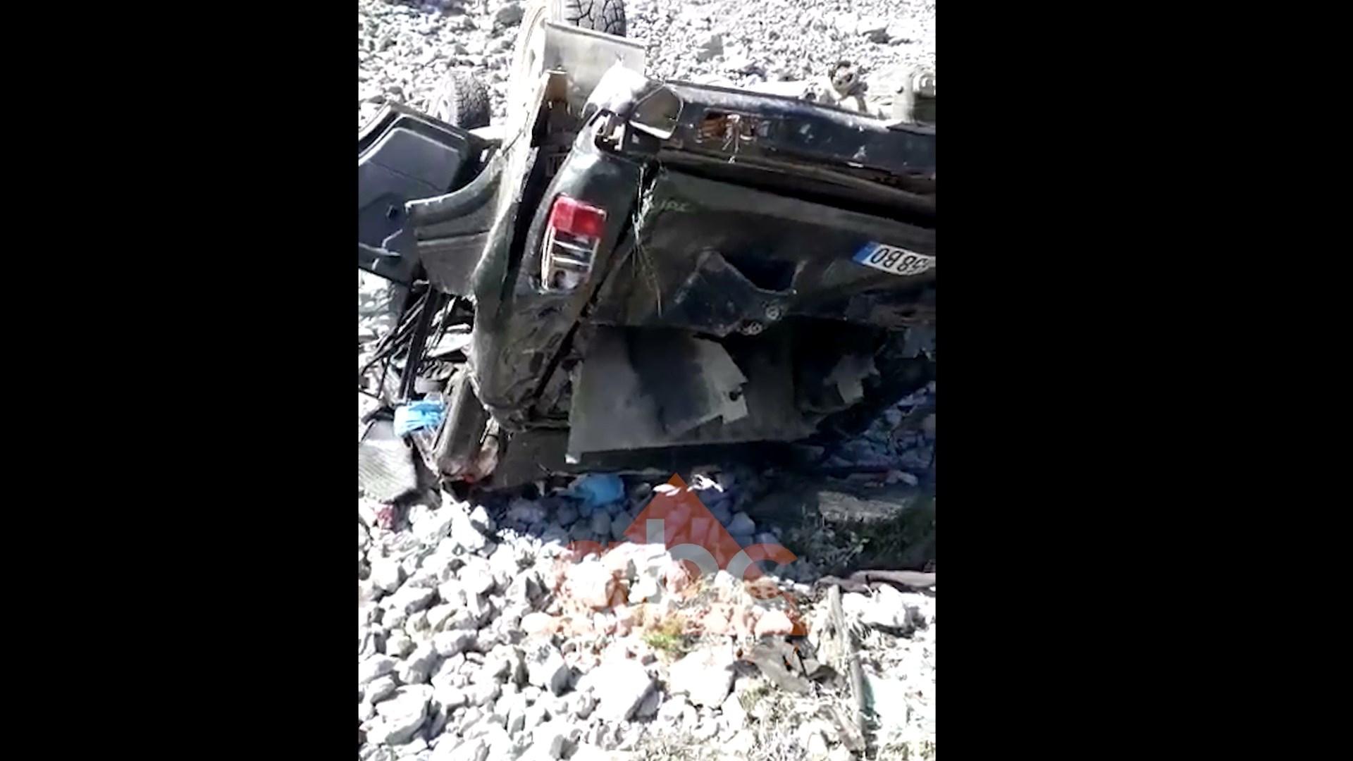 Makina bie në greminë në Krujë, humb jetën 52 vjeçari (video)