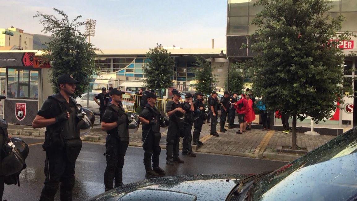Shqipëri-Islandë, Policia e Elbasanit merr masat