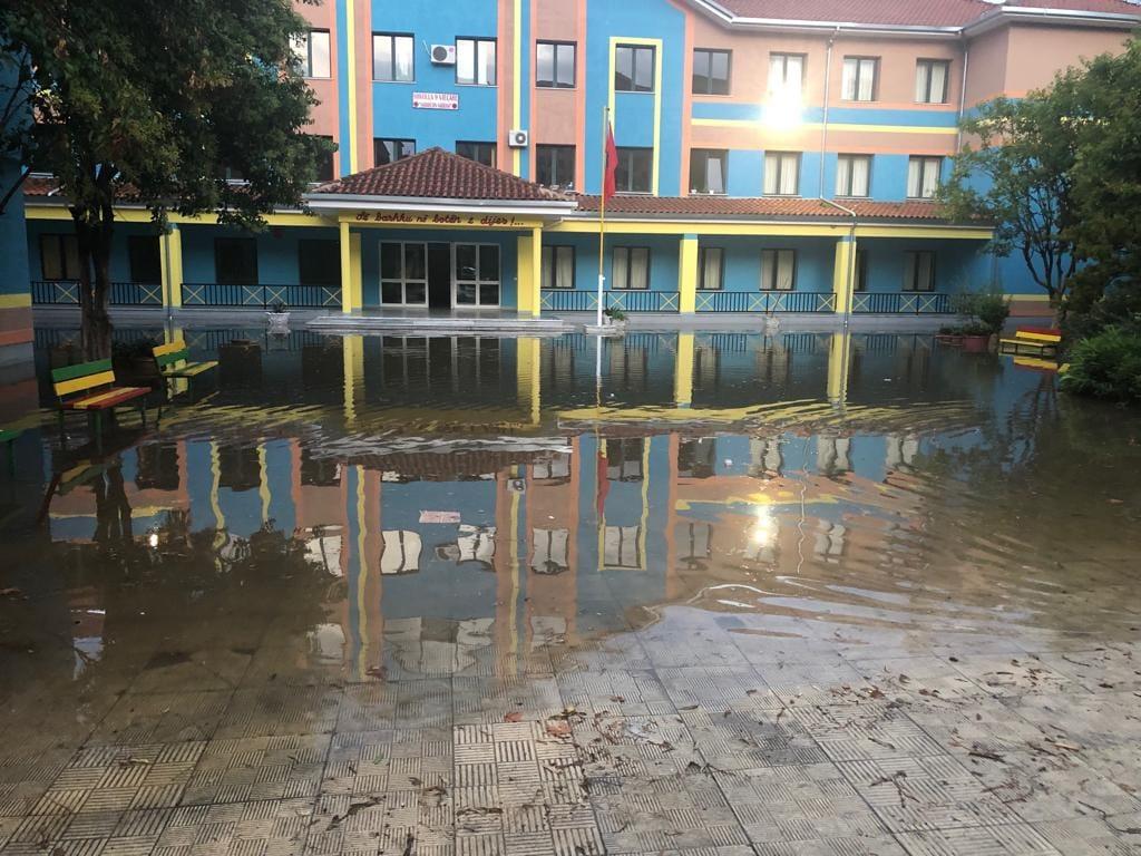 permbytje-e-shkollave.jpg