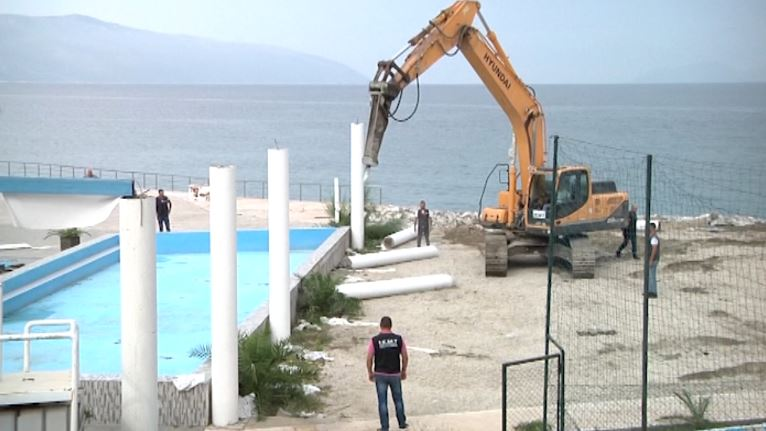 Pishinë olimpike dhe parkim nëntokësor në projektin e Lugomare 2