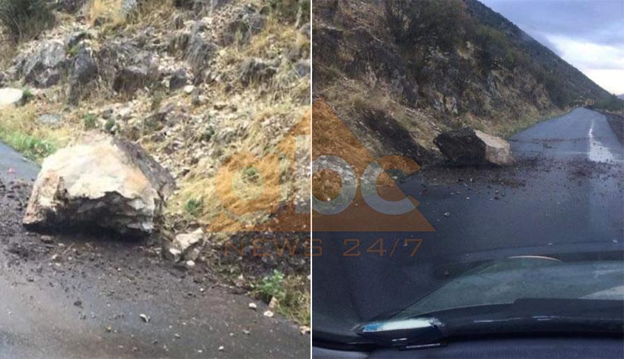 Reshjet e shiut, shkëmbinjtë bien nga mali