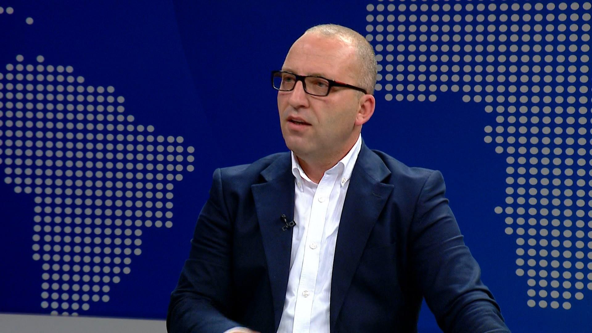 """Opinioni zyrtar i """"Venecias"""", Dervishaj: Në asnjë paragraf nuk përmendet termi shkelje e Kushtetutës"""