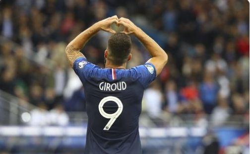 Lajm i mirë nga Islanda, Giroud ndëshkon vendasit