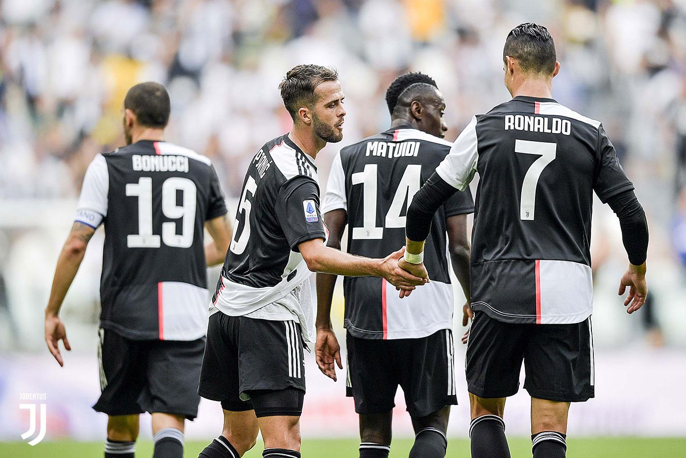 Alex Sandro i larguar, Juventus piketon pasuesin