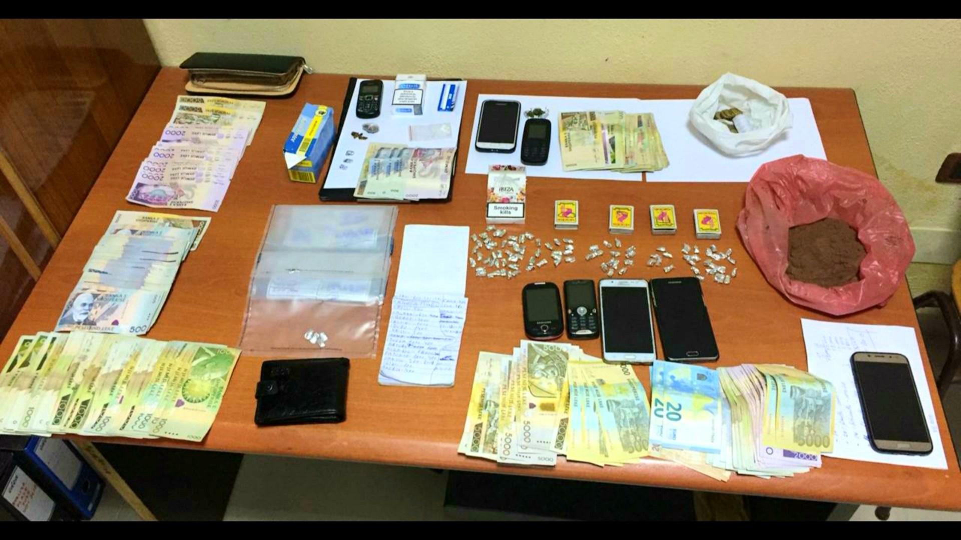 """""""Kamuflimi"""" në Korçë, në pranga dy shpërndarës droge"""