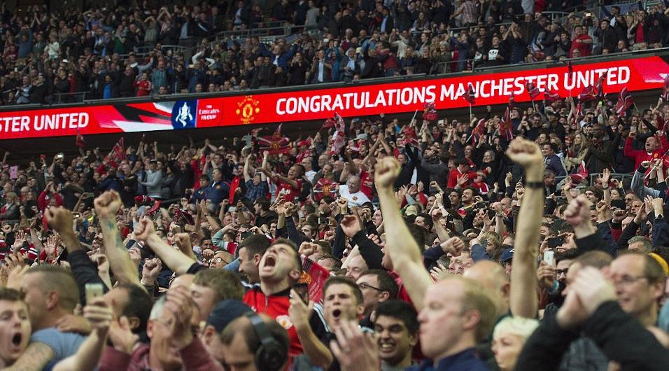 """Tifozët e Manchester United në delir, projektohet rikthimi i """"Apashit"""""""