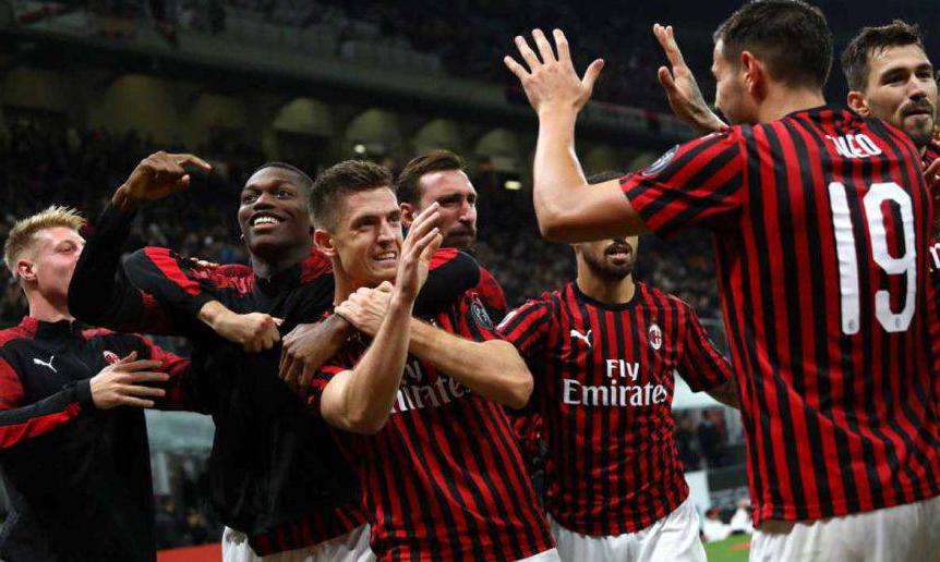 Një formacion i tërë në ikje, shumë dritëhije te Milani