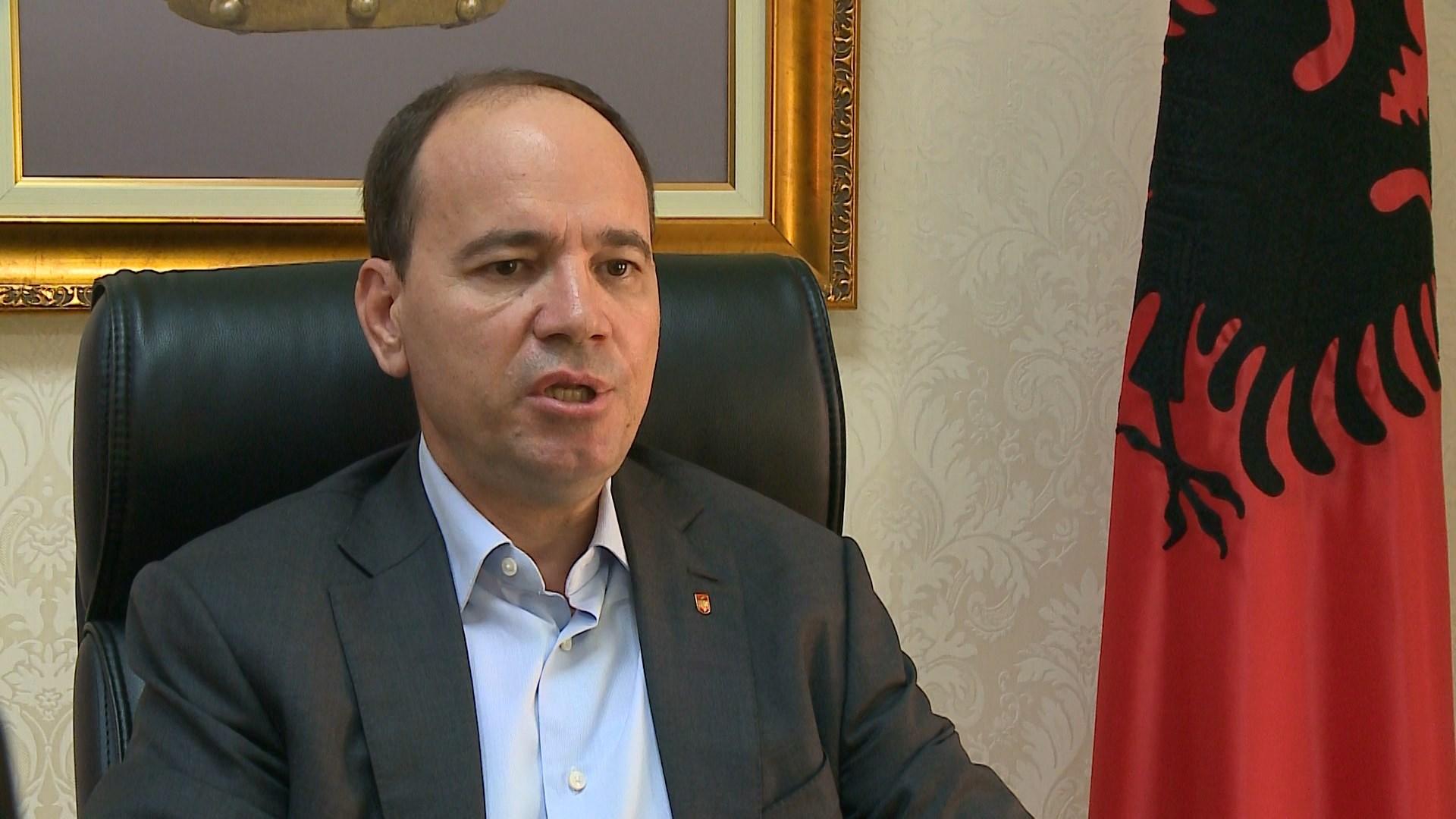 Takimi i Bashës në Durrës, Nishani: Populli nuk ndalet më, shqiptarët janë të pamëshirshëm