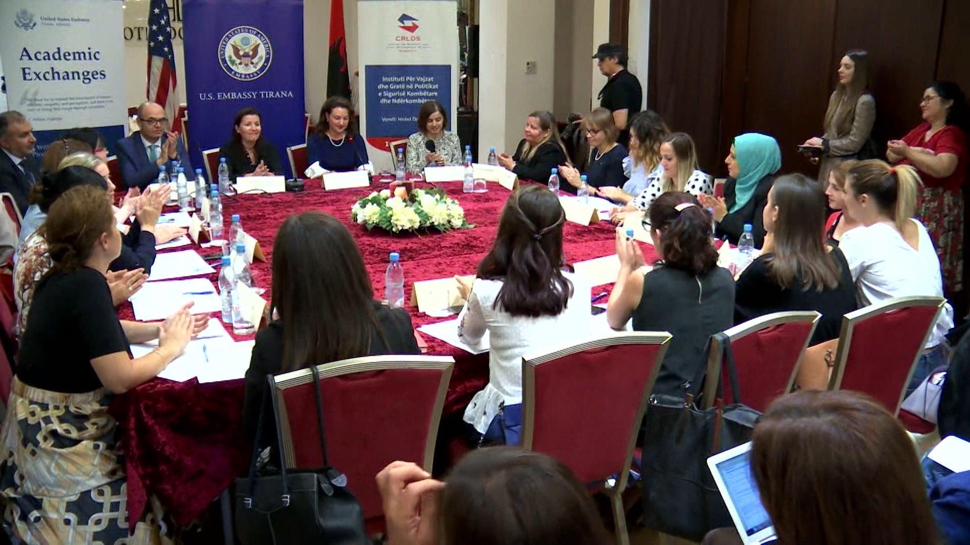 """""""Sfidat e sigurisë kombëtare"""", Moses-Ones: Gratë rol kyç në fushën e sigurisë"""