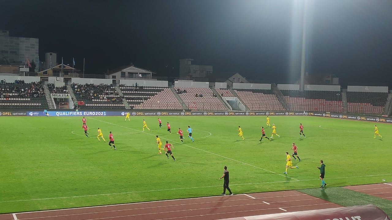 Tension dhe raste të shumta, mungon goli në Shqipëri-Kosovë