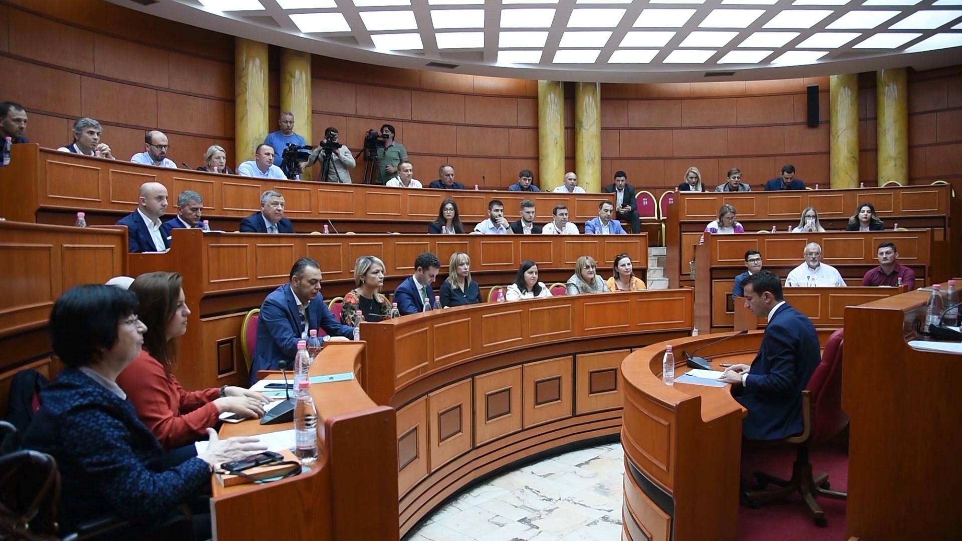 Zhvilluesit në Tiranë do të japin 3% të pronës për strehim social