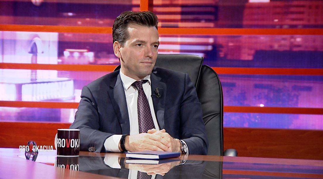 Agron Shehaj tregon si u fut në politikë
