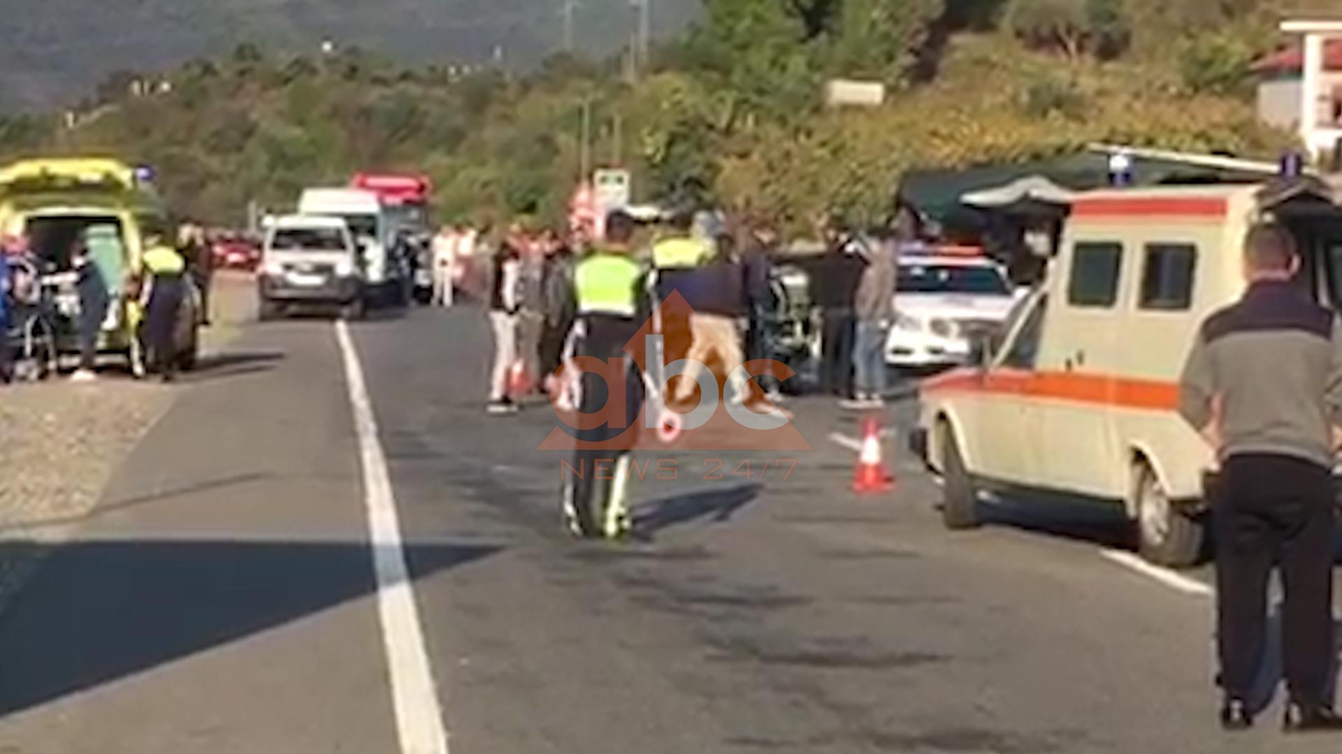 """VIDEO/ Dy të plagosur rëndë nga aksidenti në """"Rrugën e Kombit"""""""
