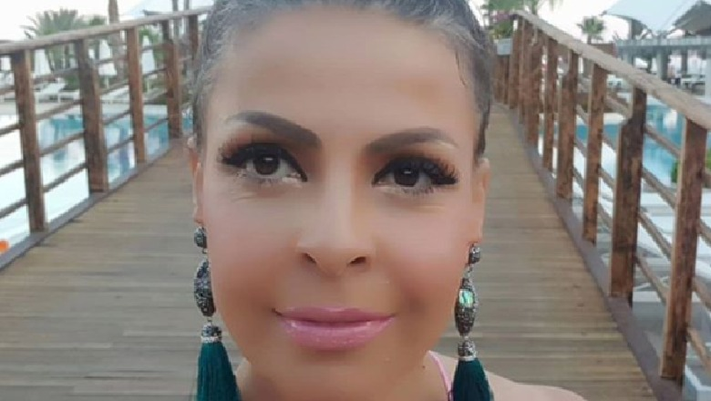 """FOTO/ Pa """"make up"""" dhe """"e larë në djersë"""", si e gjeti 45 vjetori Aurela Gaçen"""