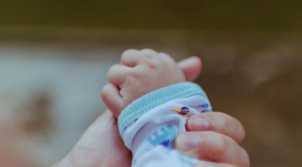 Qeveria në borxh me bebet, nuk janë shpërndarë 2.3 milion euro