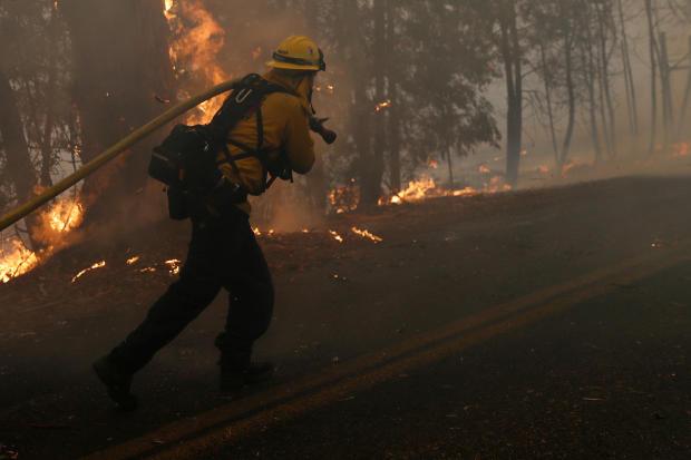 Shpallet gjendje e jashtëzakonshme në Jug të Kalifornisë nga zjarret