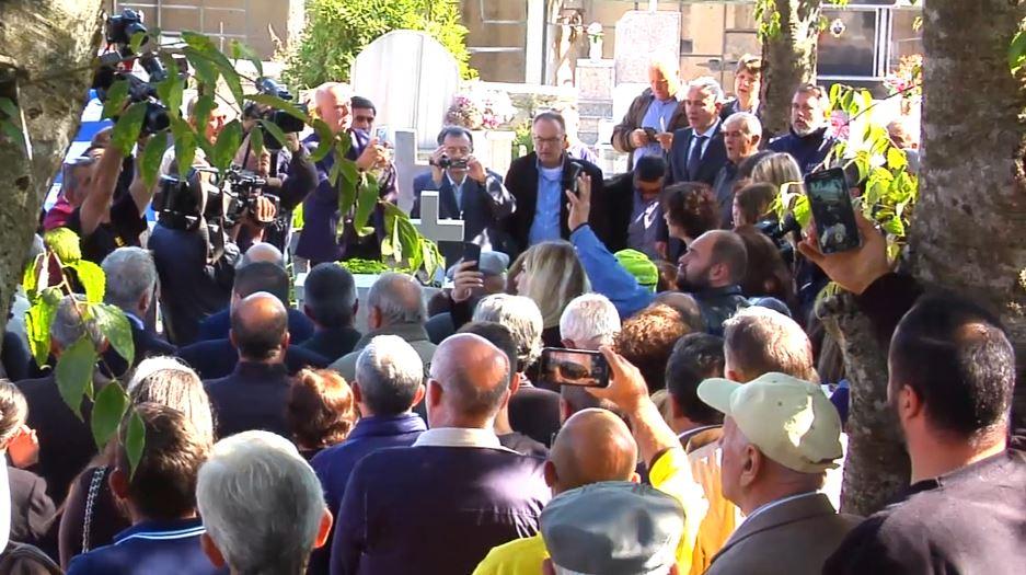 Të pranishëm edhe politikanë në ceremoninë përkujtimore, thirrje të dhunshme nga nëna e Kacifas