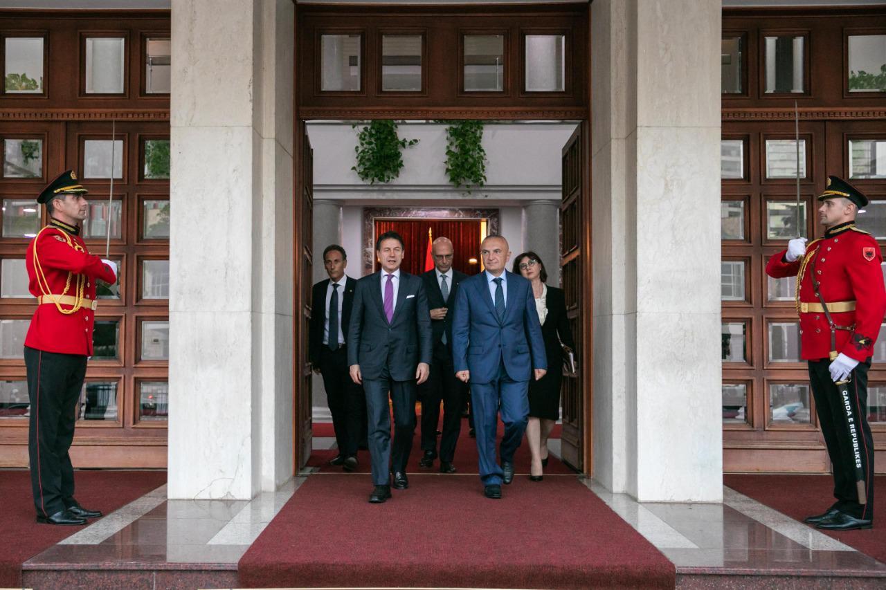 Presidenti Meta pret në takim Kryeministrin italian