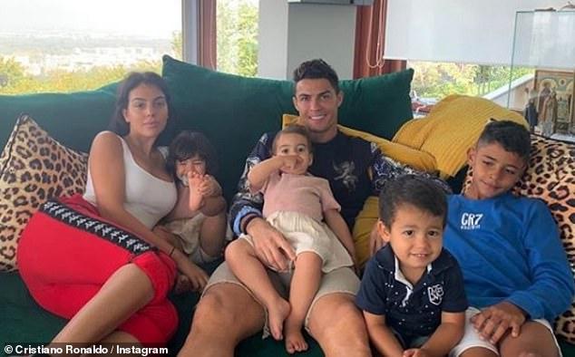 Një familje e lumtur si ajo e Cristiano Ronaldo-s…