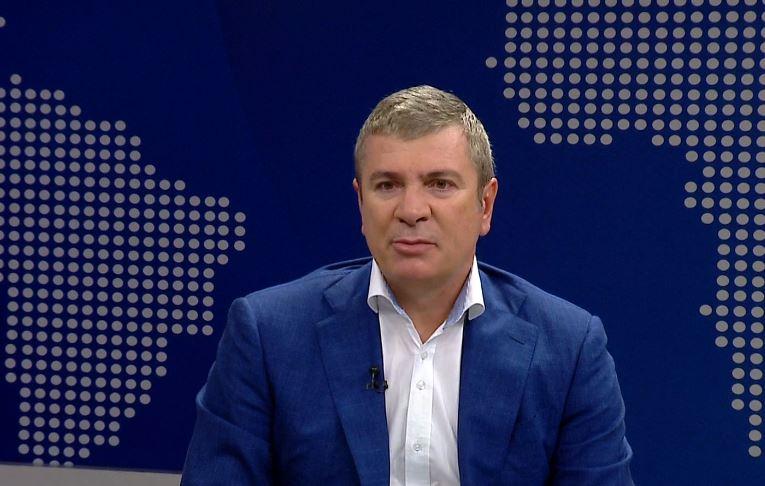 """""""Diskutojmë mbi sistemin zgjedhor"""", Damian Gjiknuri: Jemi për depolitizim të plotë"""