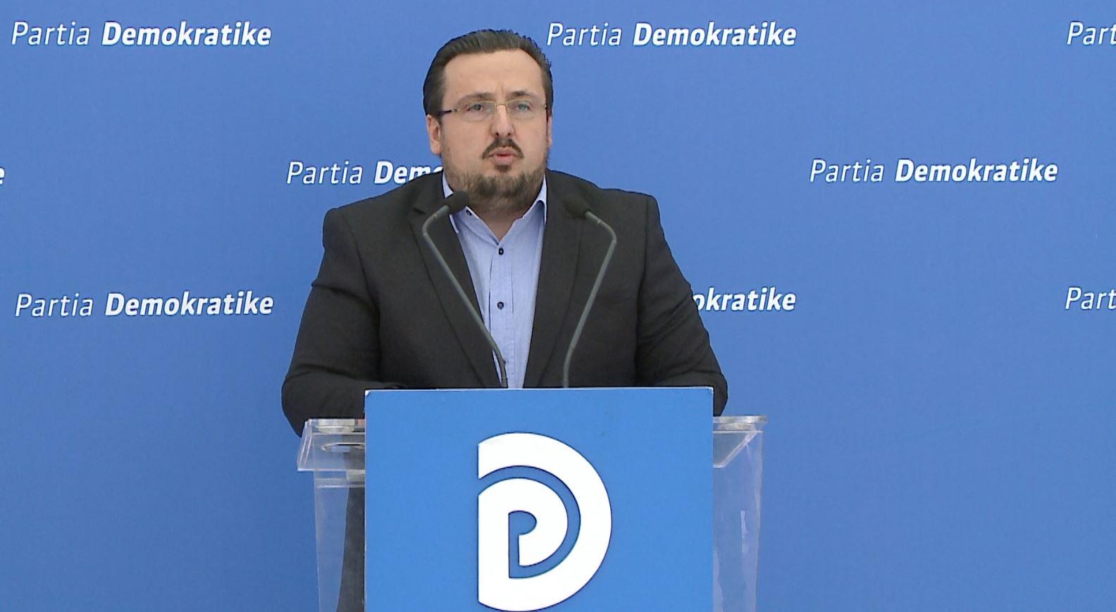 PD: Qeveria po ushtron presion ndaj bizneseve, administrata tatimore bllokon shërbimet