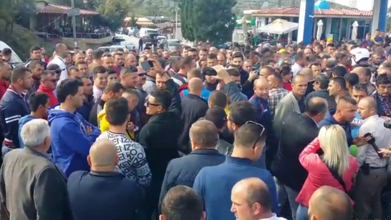 Fermerët nga Fieri, Lushnja dhe Berati në protestë