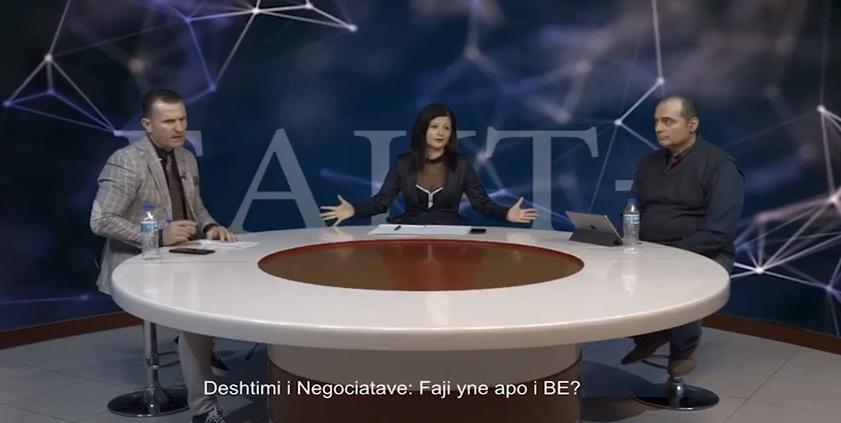 """VIDEO/ """"Po pushoni more ja q.. robt"""": Gazetarja shpërthen në të shara live, videoja bën """"namin"""" në rrjetet sociale"""