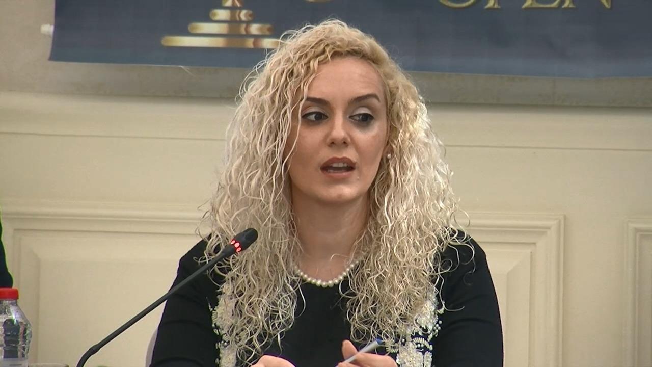 Kryegjyqtarja e Durrësit lë detyrën për një sfidë të re në sektorin privat