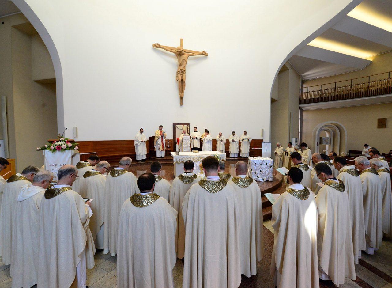 kisha-katolike-tirane-durres-1280x940.jpg