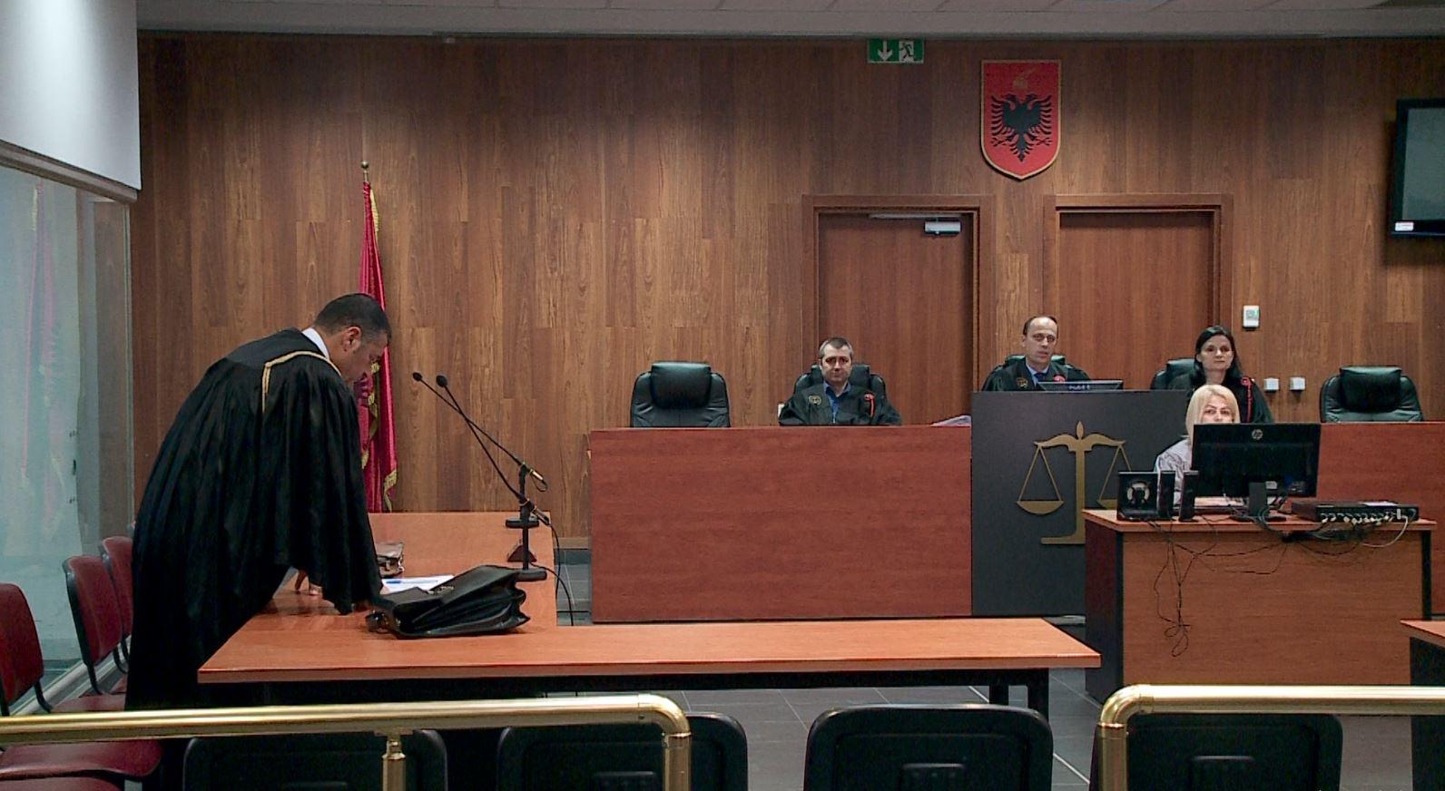 Krimet e rënda dënojnë me 4.6 vjet burg gjyqtarin Roland Hysi
