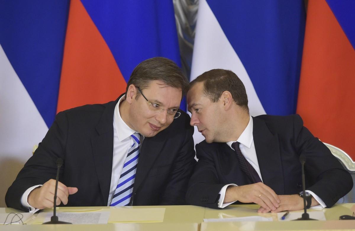 Kryeministri rus Medvedev në Beograd, mediat serbe: Do të tregojë qëndrimin e Putin për Kosovën