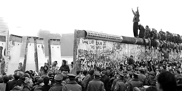 29 vjetori i bashkimit të Gjermanisë. Muri i Berlinit, simbol për rënien e regjimit komunist