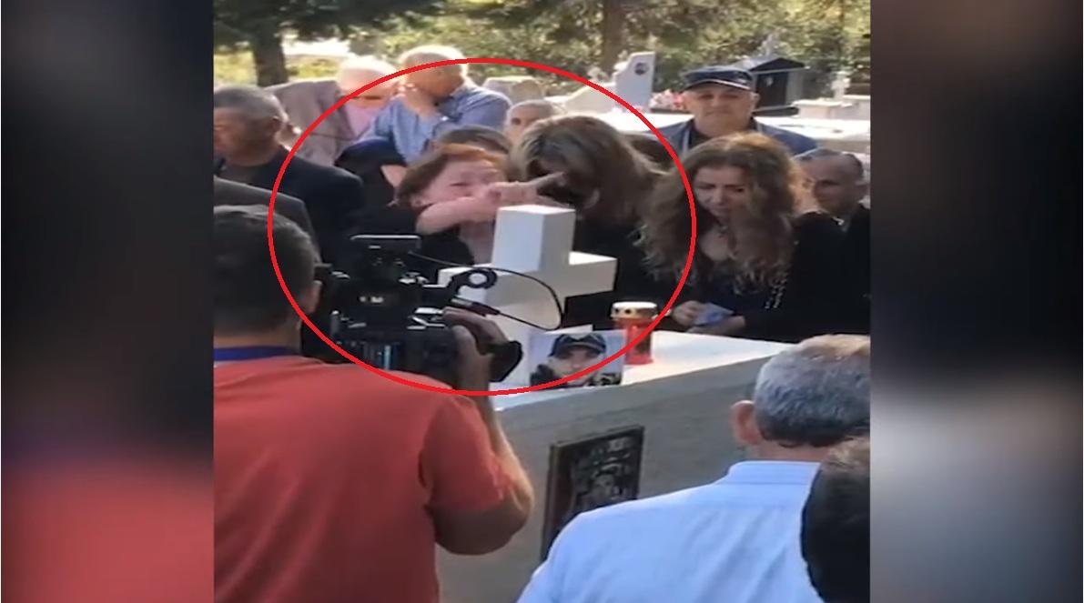 """VIDEO/ """"Vritini tradhtarët, Vorio Epiri është tokë greke"""": Nëna e Katsifas harron të birin dhe merret me politikë"""