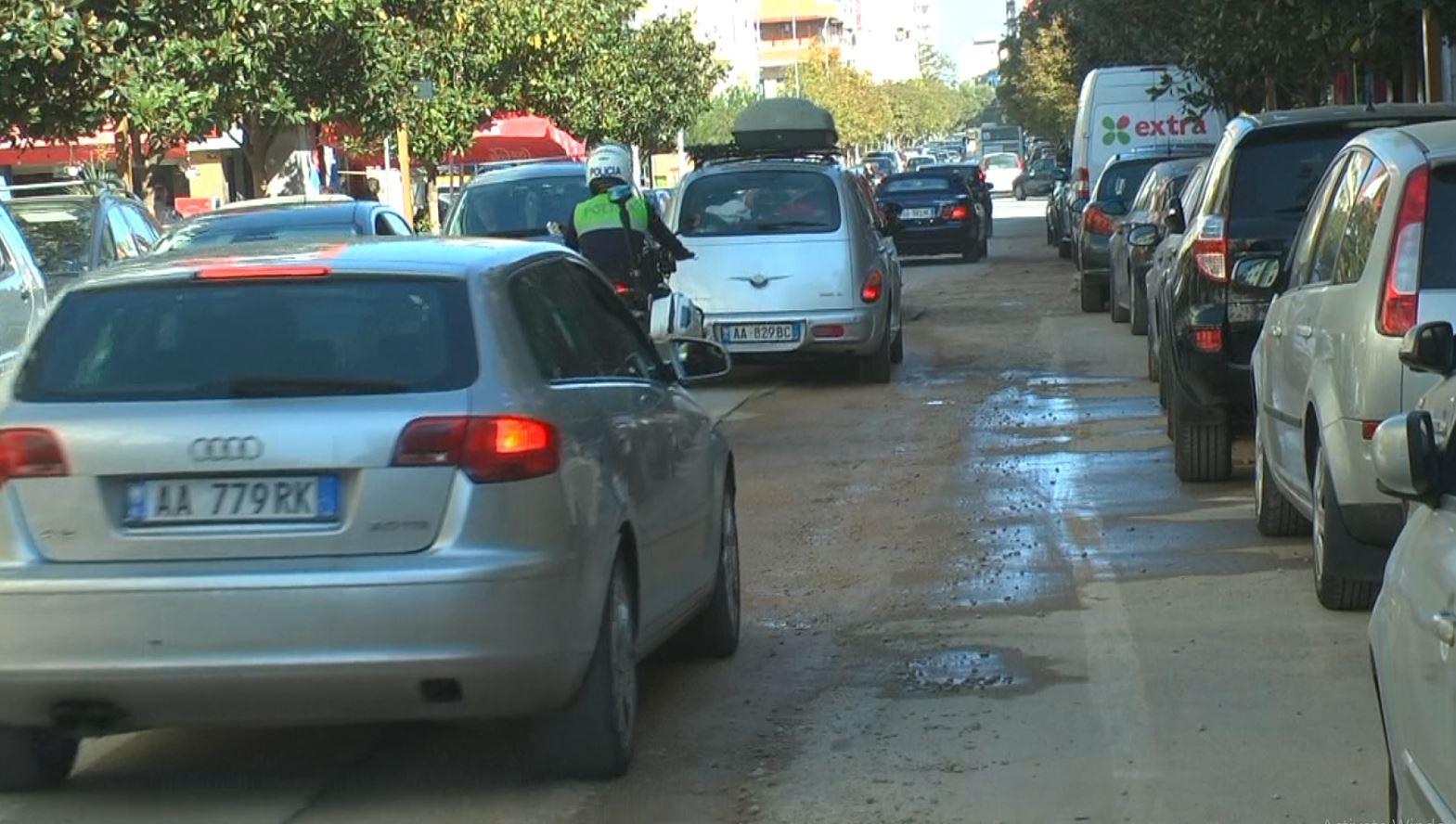 Rrugët e përfunduara hapen sërish, qytetarët: Në projekte nuk pasqyrohen të gjitha ndërhyrjet