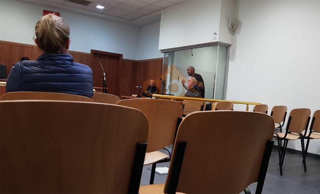 """""""Daja më ka ndihmuar kur kam pasur nevojë"""", gjykata merr vendimin për vëllain e Tesi Bashos"""