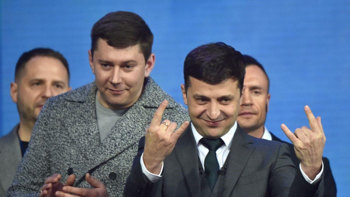 Presidenti Ukrainas Zelensky 14 orë në konferencë përballë gazetarëve