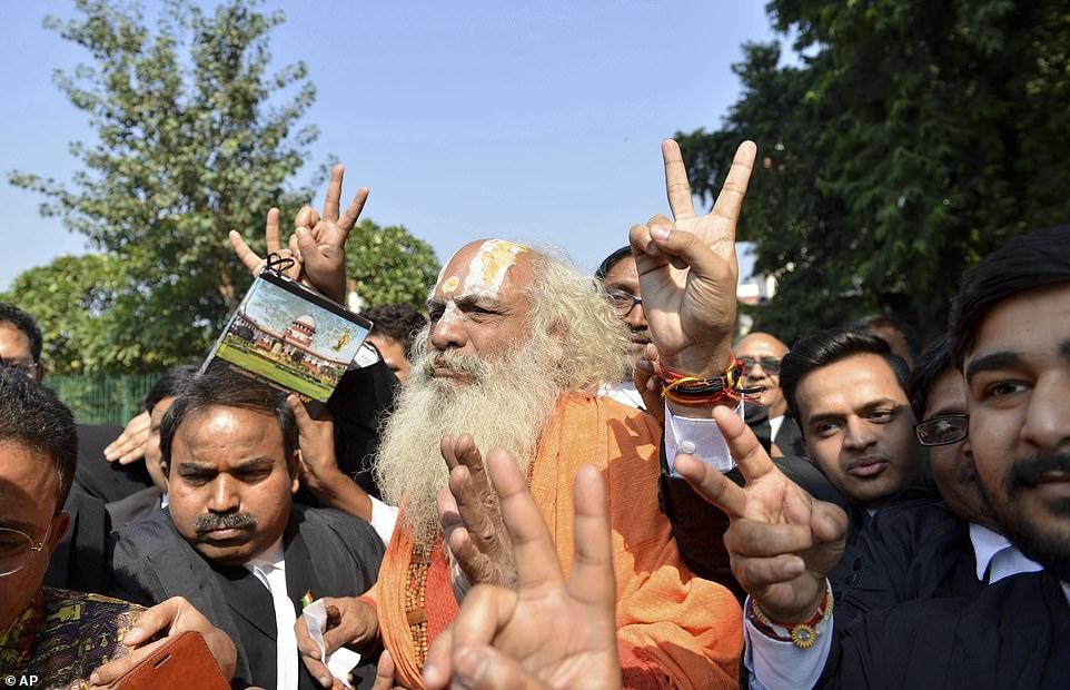 Gjykata Supreme e Indisë vendos në favor të tempullit hindu