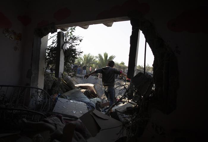 Një armëpushim gjithnjë e më i brishtë, Izraeli godet objektivat e Hamasit