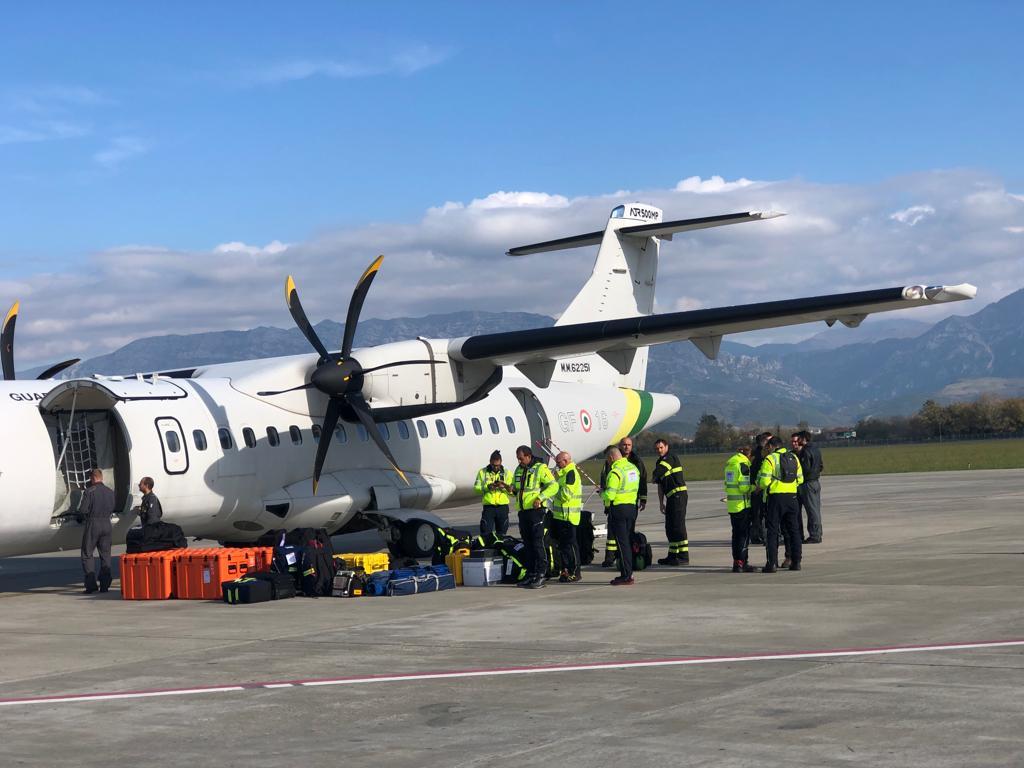 Mbërrin në Shqipëri ekipi mjekësor italian, niset zonave të prekura nga tërmeti