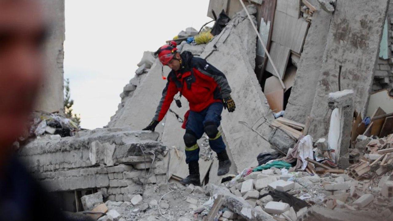 REPORTAZH/ Pamje e dëshmi prekëse, Durrësi lëngon mes rrënojash!