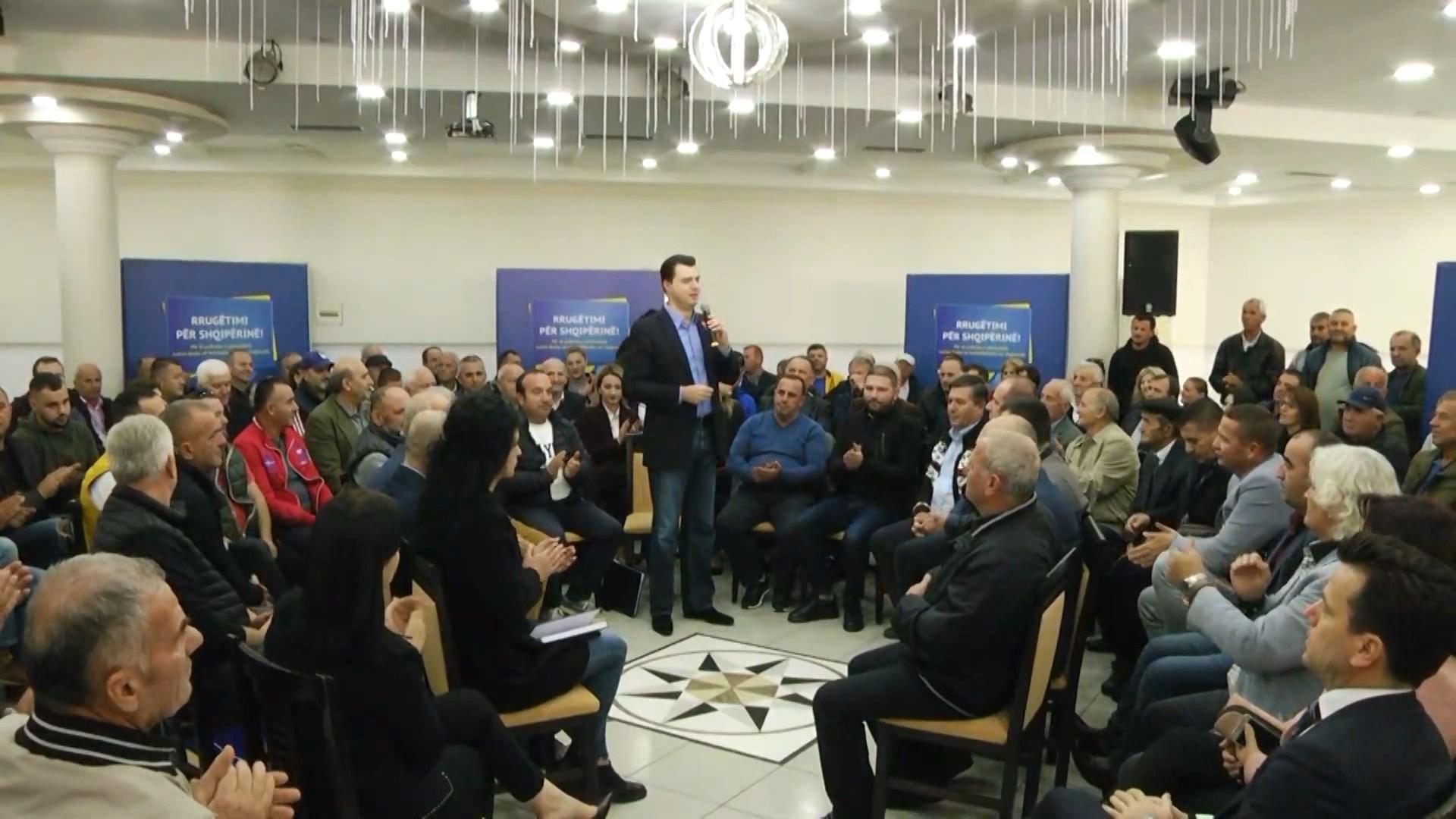 Basha takim me operatoret turistikë në Sarandë: Heqim trarin e korrupsionit