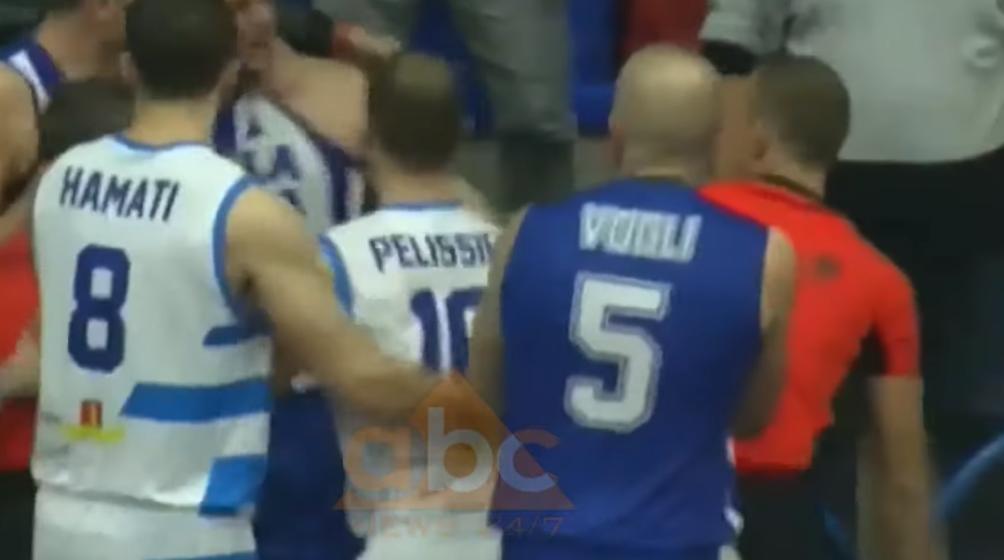 Dhunoi arbitrin: Merr fund karriera, basketbollisti i Tiranës dënohet përjetë