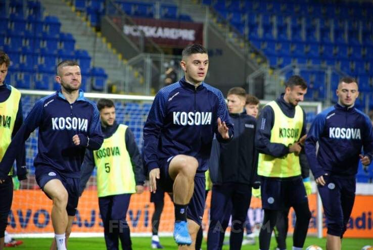 Challandes zgjedh, njihuni me formacionin zyrtar të Kosovës