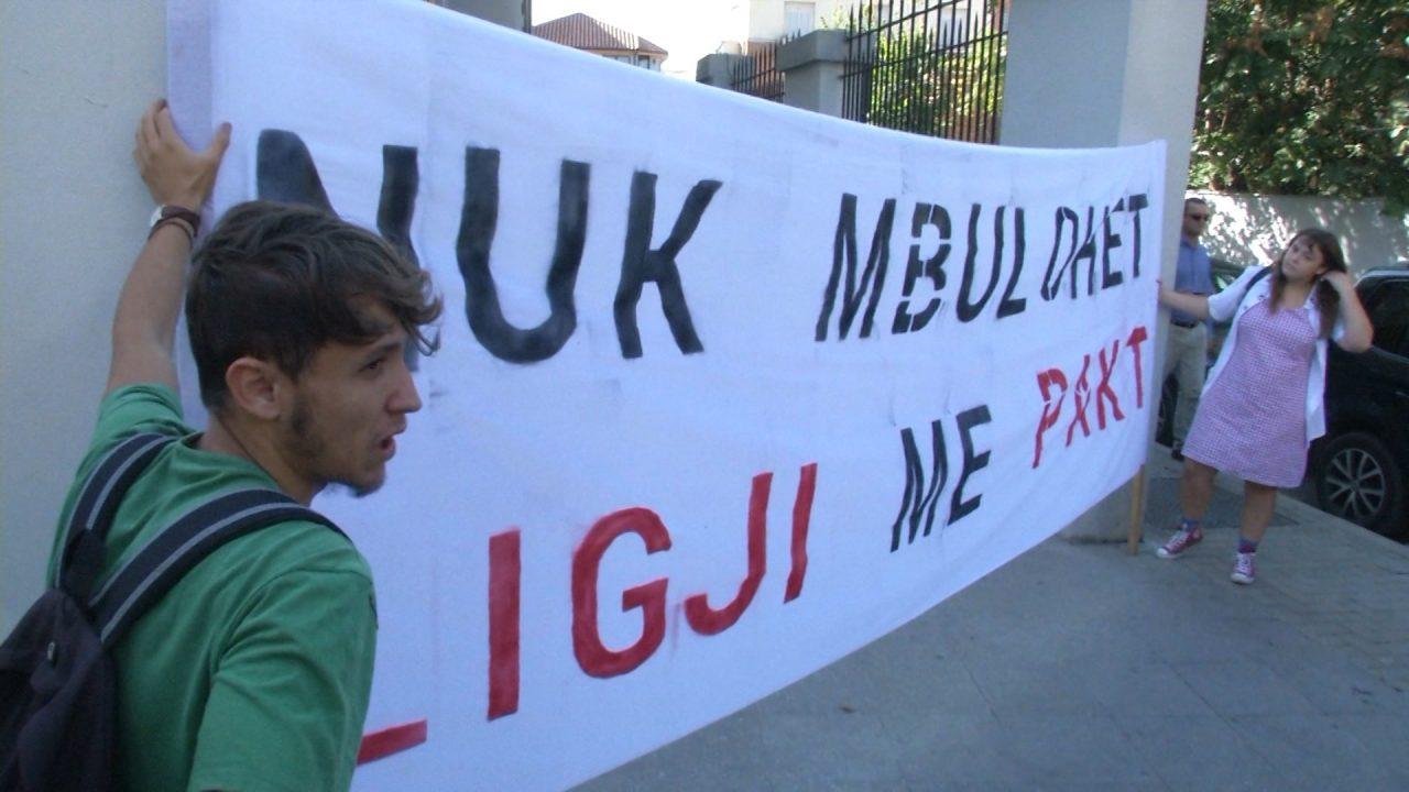 MBULIM-PROTESTA-E-STUDENTEVE-ABC-M5-T2.mpg_snapshot_00.16-1280x720.jpg