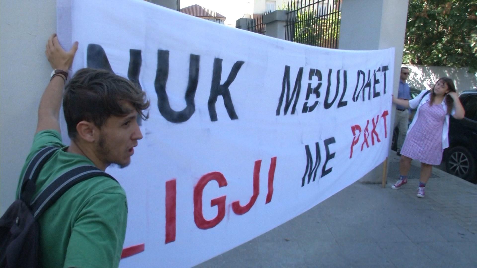 Studentet rinisin më 4 dhjetor protestat para Ministrisë së Arsimit: 8 kërkesa për qeverinë