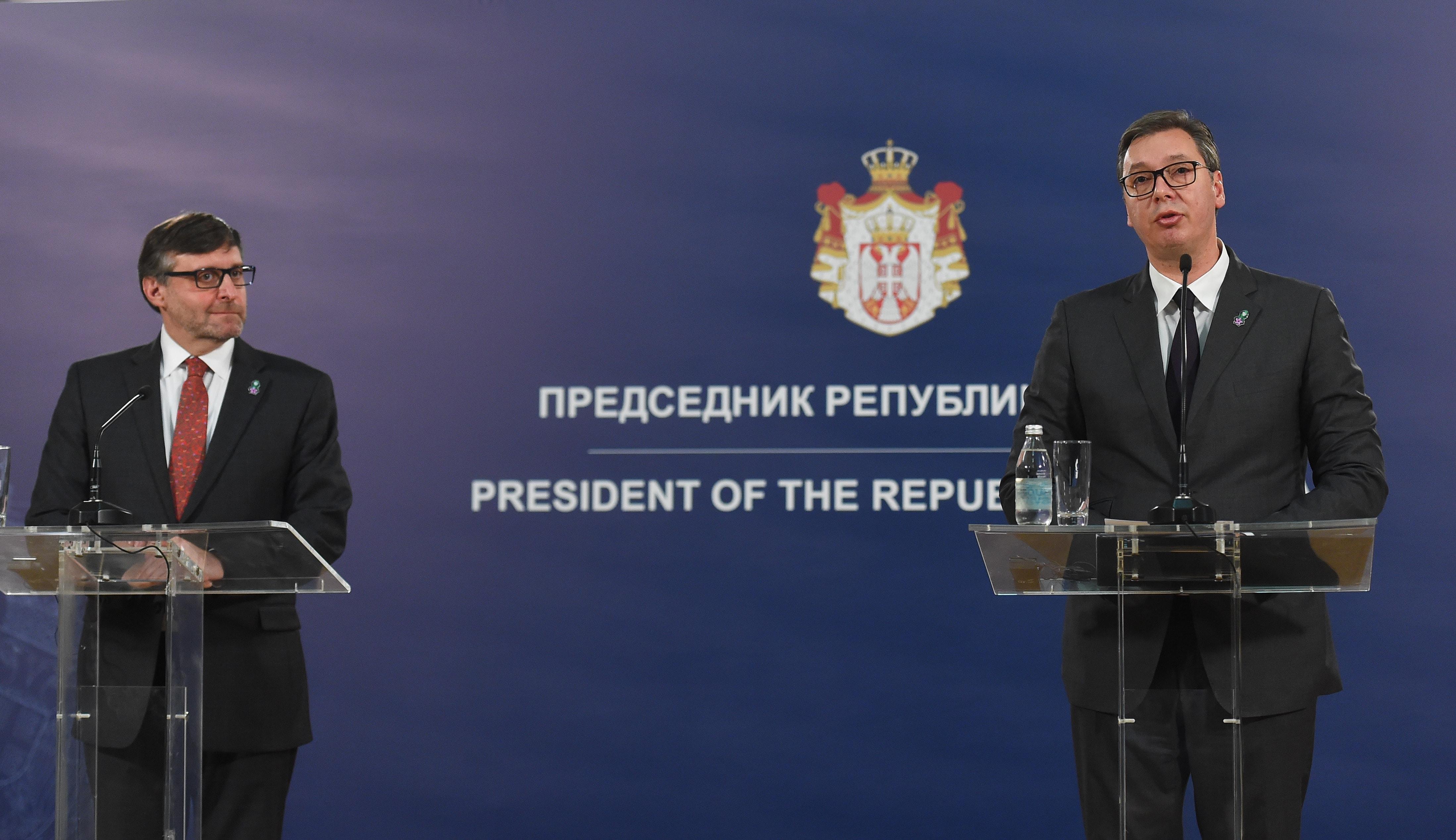 Simboli serb në xhaketë, Vuçiç falenderon Palmer